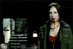 Georgina Reilly en Pontypool